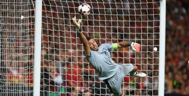 Buffon Kecewa Saat Italia Dikalahkan Spanyol 3-0