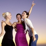 Batasan Teman Dekat Yang Bikin Bahagia