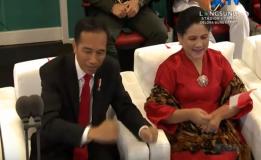 Presiden Joko Widodo Asik Bergoyang Dalam Iringan Lagu Yang Di Bawakan Via Vallen