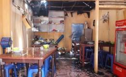 10 Unit Damkar Dikerahkan dalam Kebakaran Rumah di Pulogadung