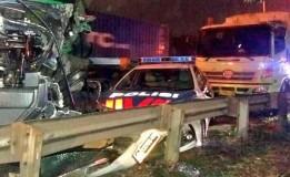 Kecelakaan Beruntun Terjadi di KM 52 Tol Cakung Bekasi