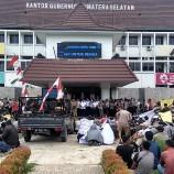 Truk Tak Boleh Melintas di Jalan Umum, Ratusan Sopir Demo di Kantor Gubernur Sumsel