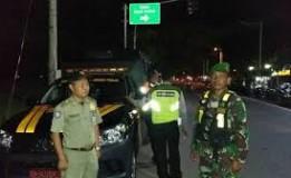 Polisi Serta TNI Di Kabupaten Madiun Mengadakan Patroli Bersama